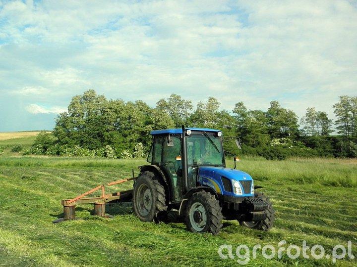 New Holland T4020 + Kosiarka Rotacyjna Z105/1