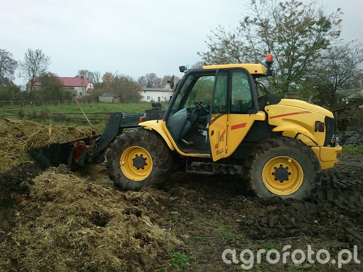 New Holland LM410