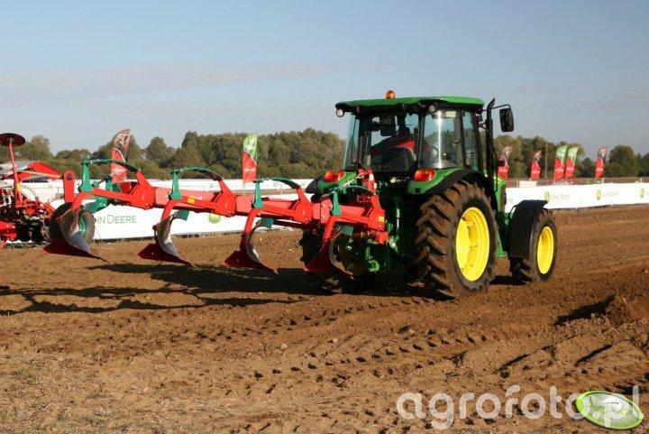 Agro Show 2011 - JD + Kverneland