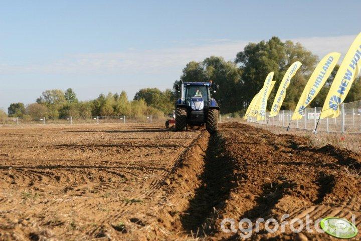 Agro Show 2011 - NH + Kverneland