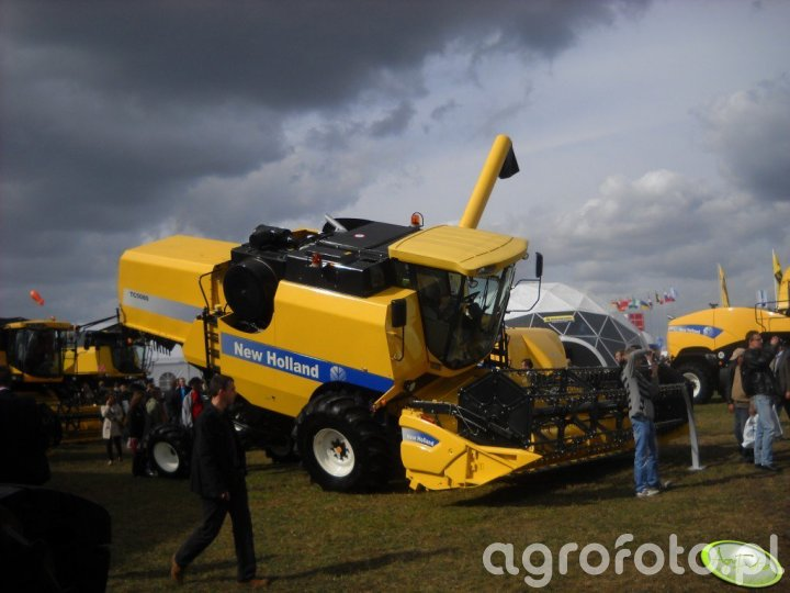 New Holland TC5080