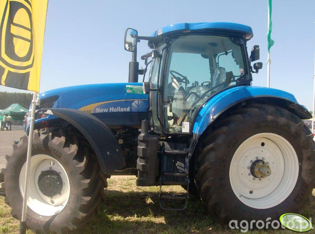 New Holland 7030