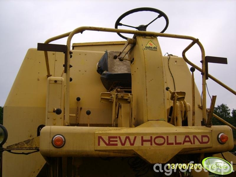 New Holland clayson 133