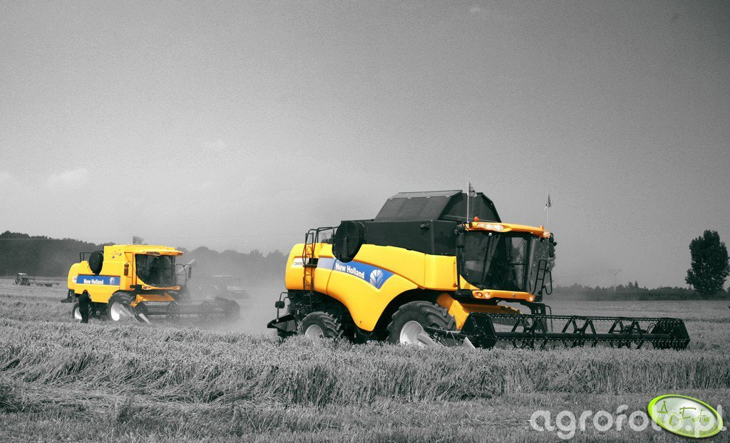 New Holland CX 8090 & New Holland CSX 7060