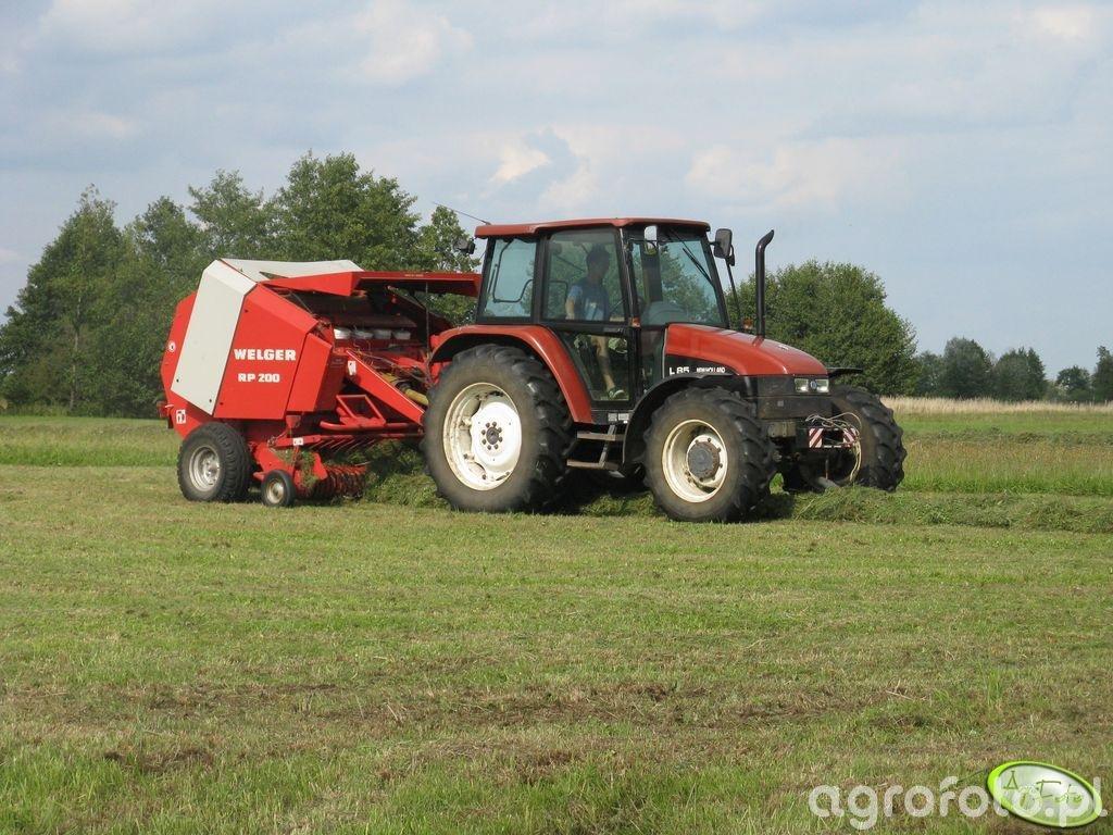 New Holland L85 & Welger RP200