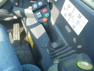 New Holland LM5060 Plus joystick