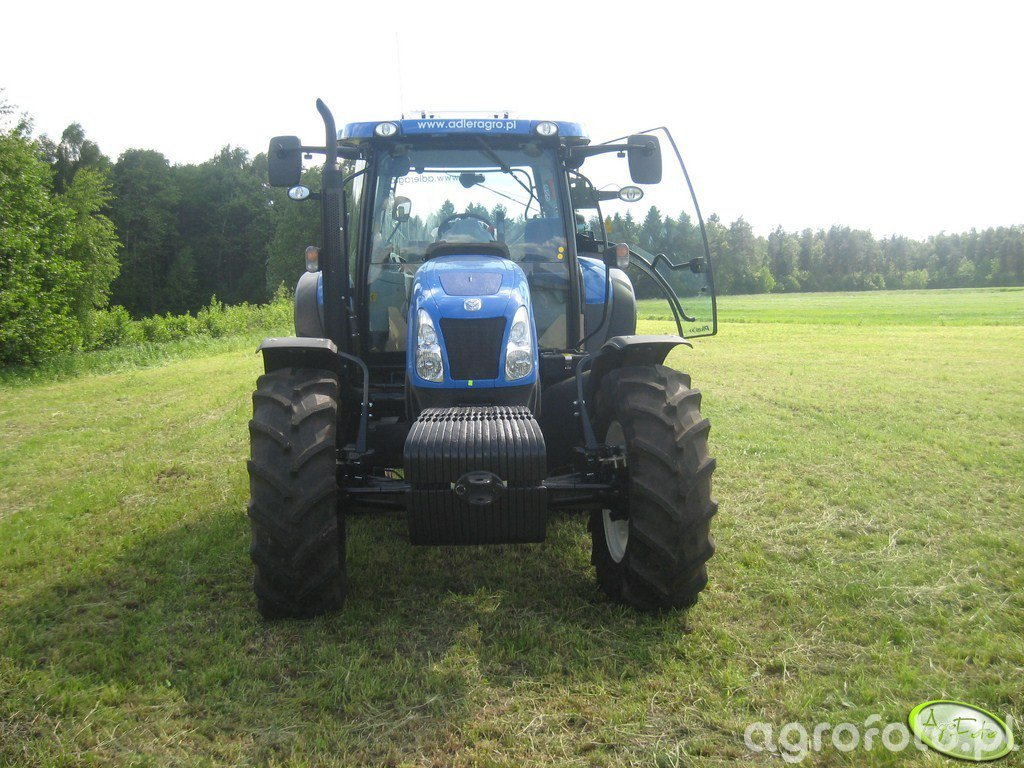 New Holland T 6030 PLUS