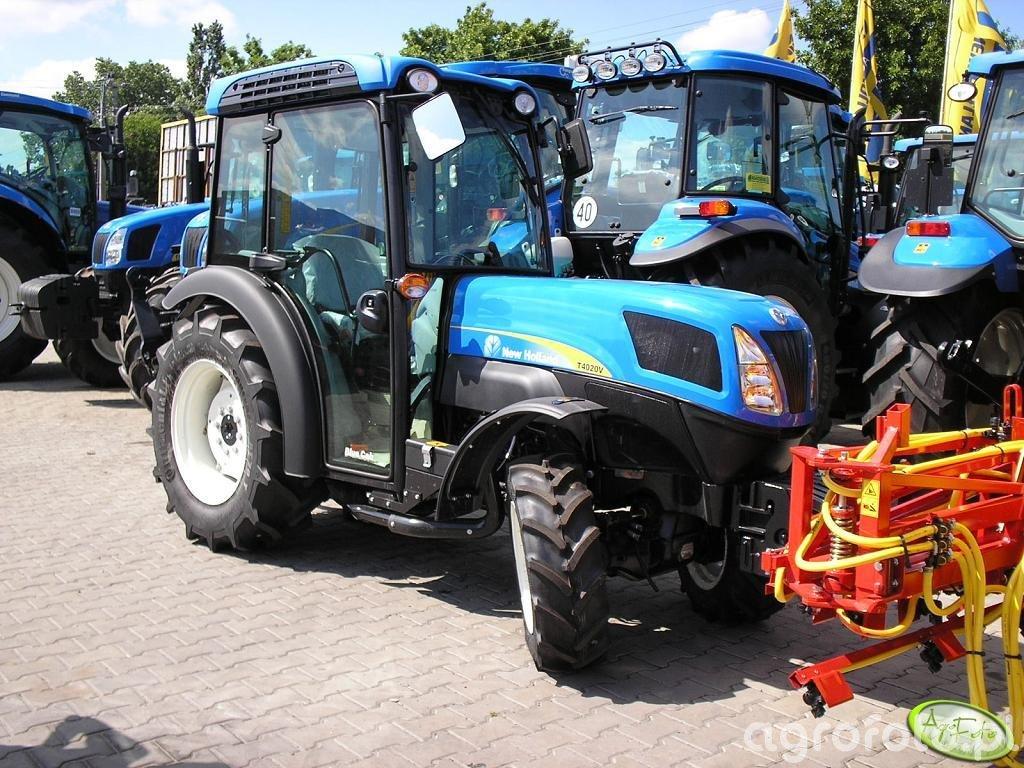 New Holland T4020V