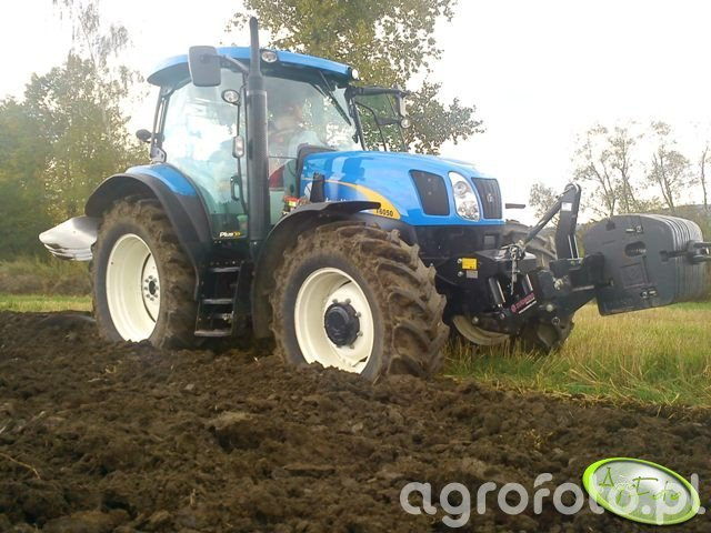 New Holland T6050 PLUS & Pottinger Servo 35 4