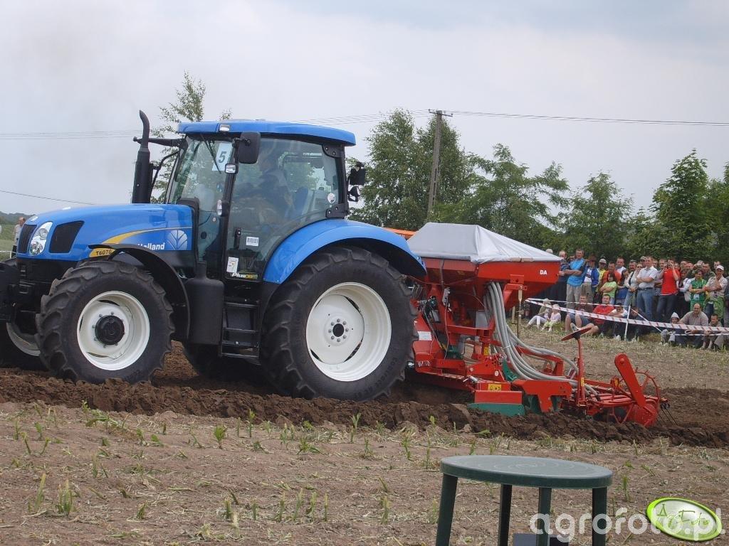 New Holland T6070 z Kvernelandem