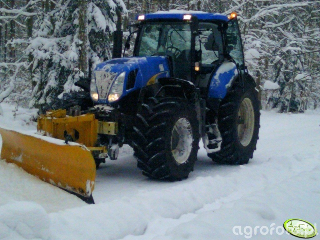 New  Holland  T7030 & pług śnieżny
