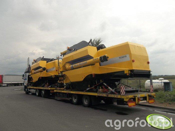New Holland TC5070 & New Holland TC5070