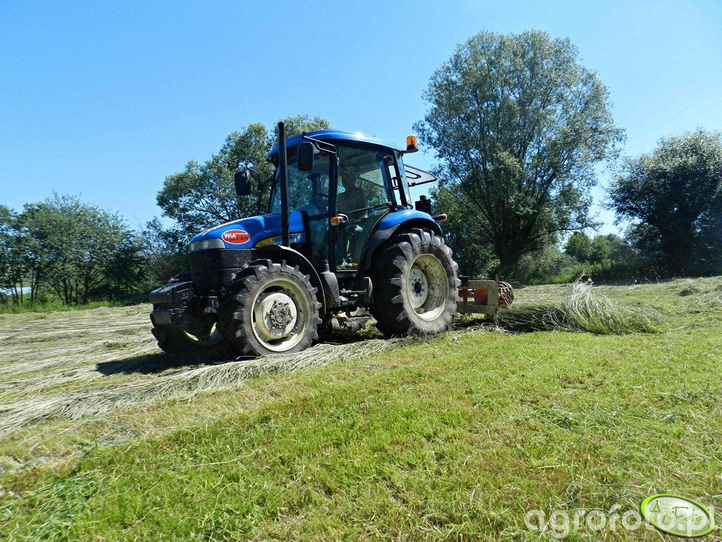 New holland TD70D + akpil