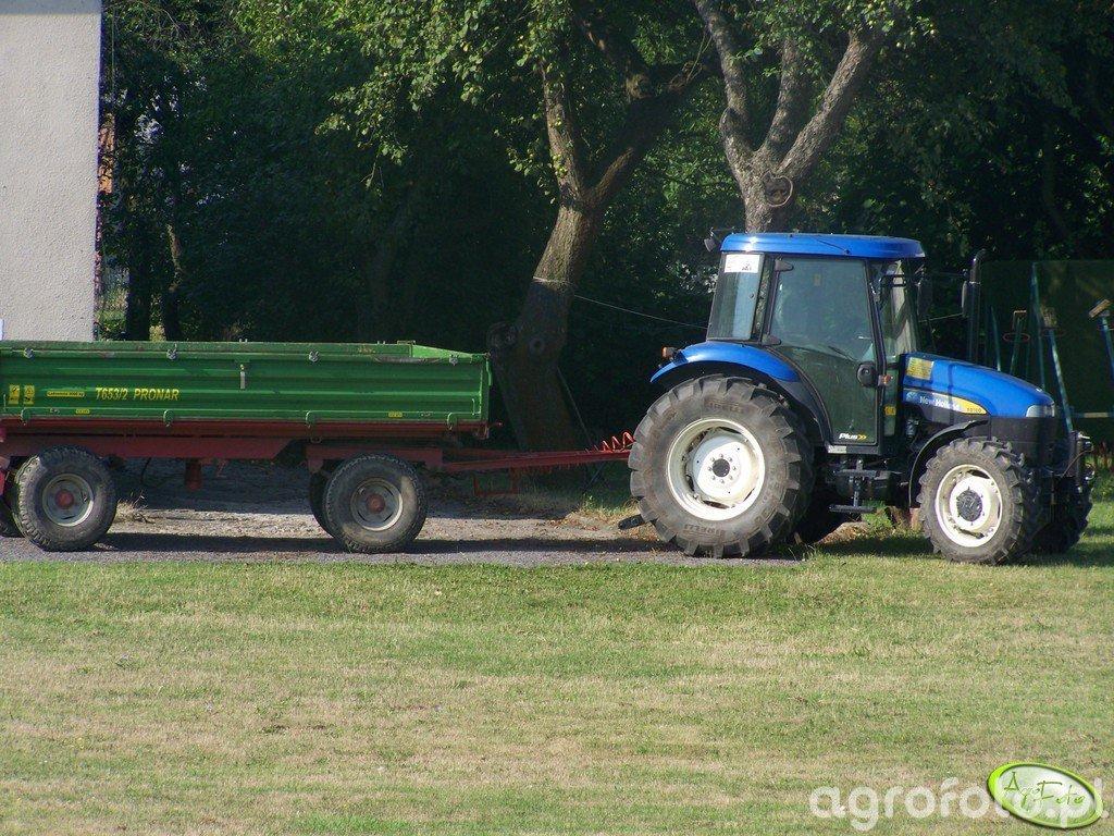 New Holland TD70D + Pronar