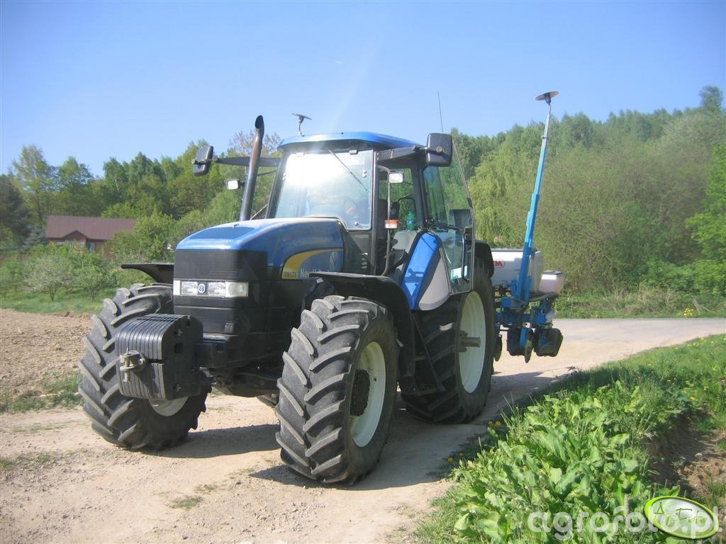 New Holland TM 175 + Monosem