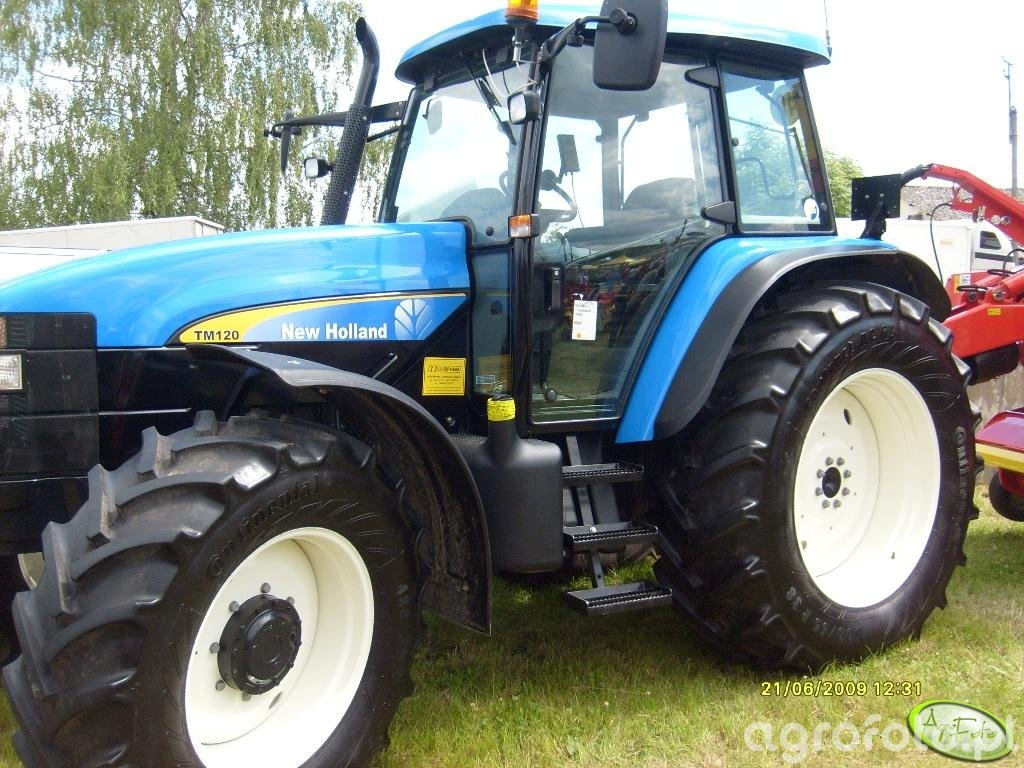 New Holland TM120
