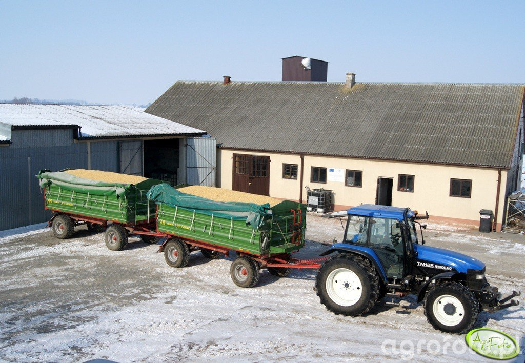 New Holland TM125 + 2x Pronar T672/1