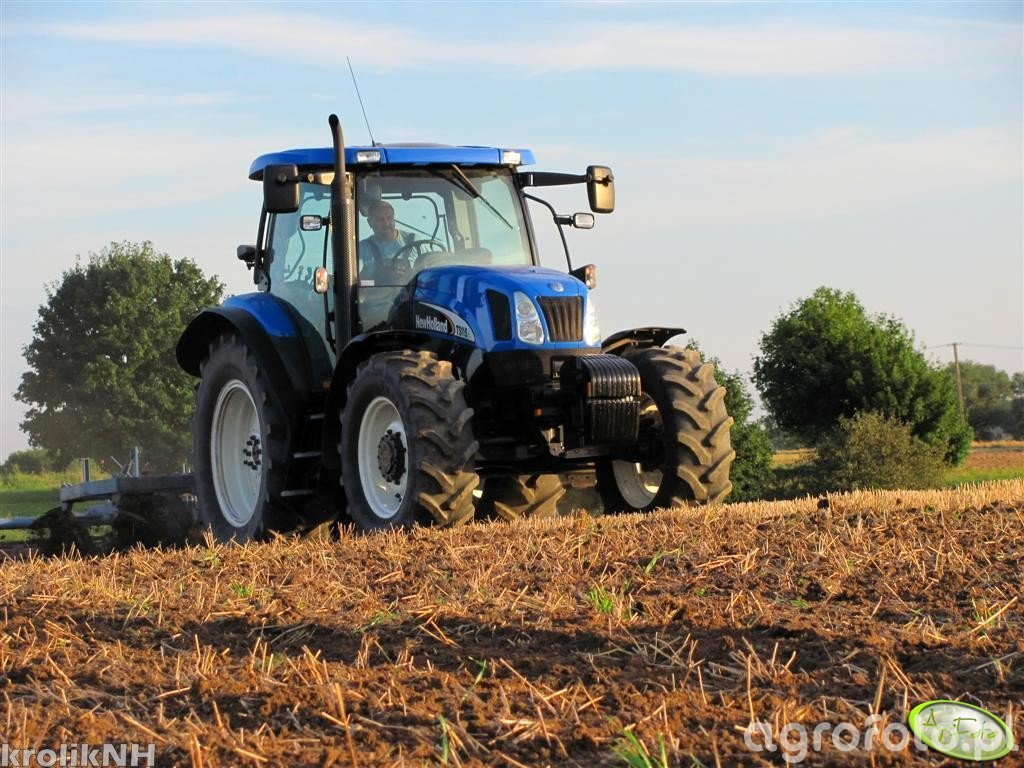 New Holland TS 115A + Frost