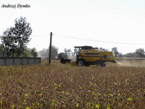 New Holland TC5070 & Claas Tucano 320