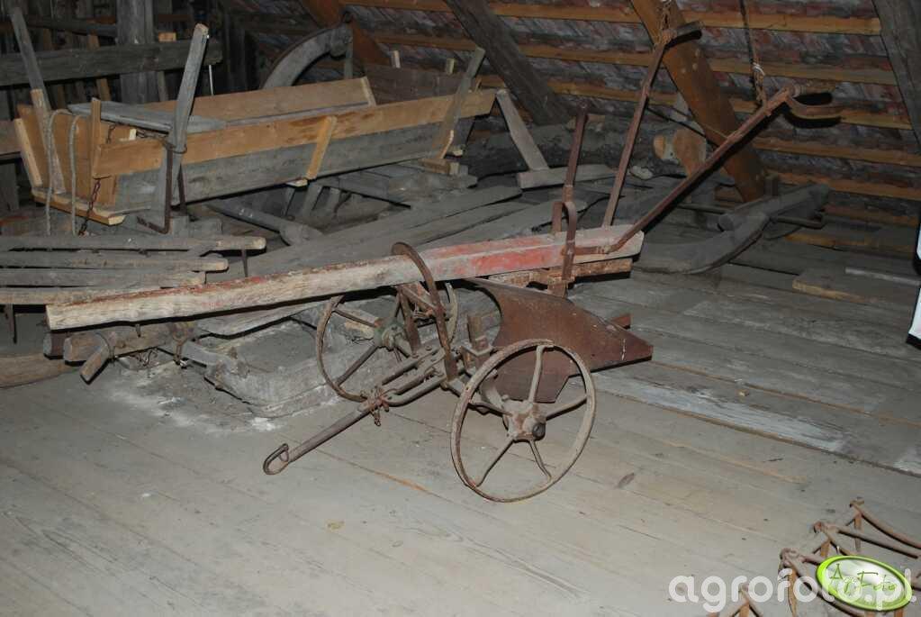 Maszyny rolnicze poprzedniej epoki