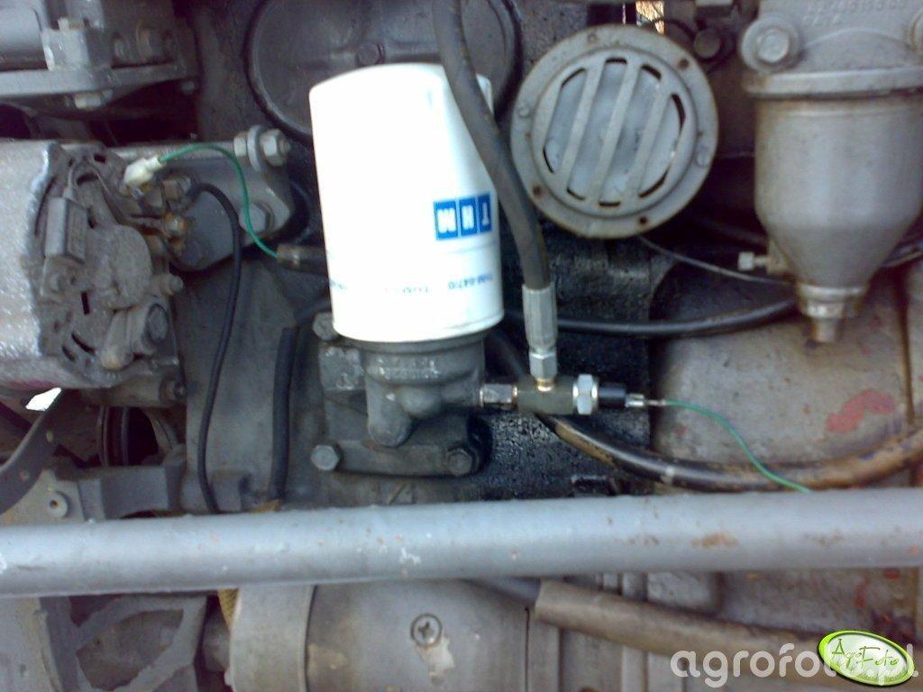 Podłączenie manometru ciśnienia oleju w C-330.