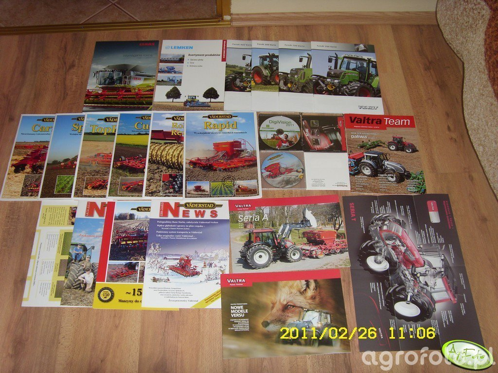 Prospekty, katalogi i plyty