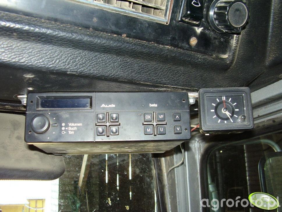 Radio i zegarek w MF 565