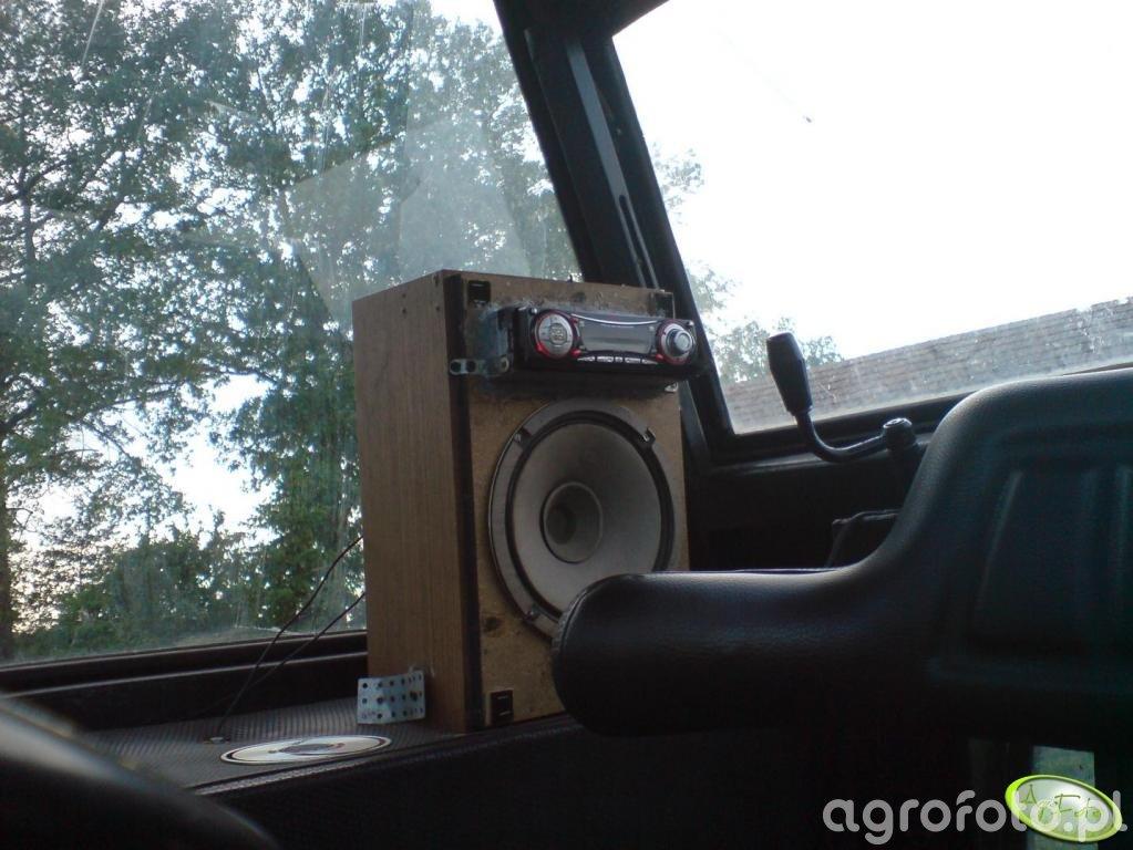 Radio w zetorze 7011