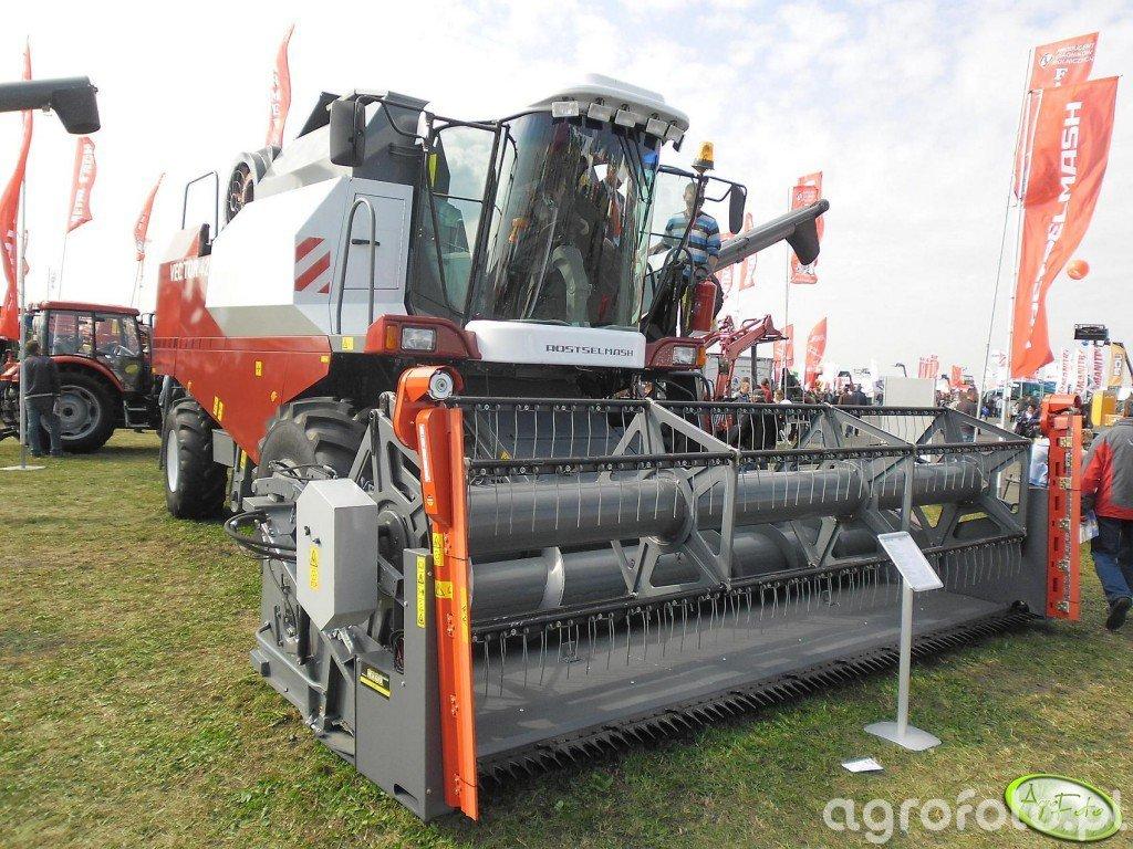 Rostselmash Vector 420