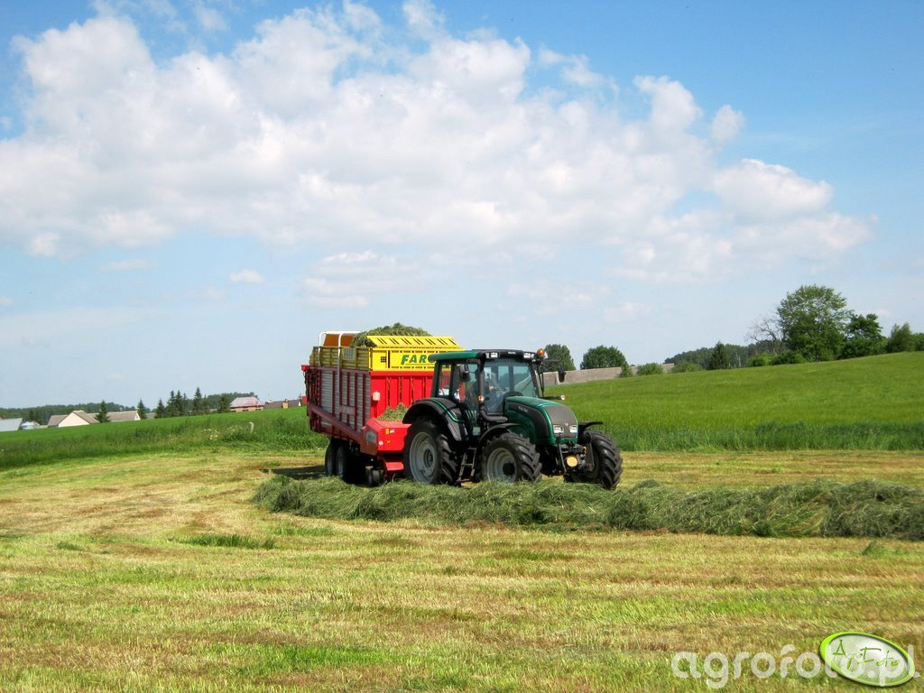Valtra N111 + Pottinger Faro 4000 D