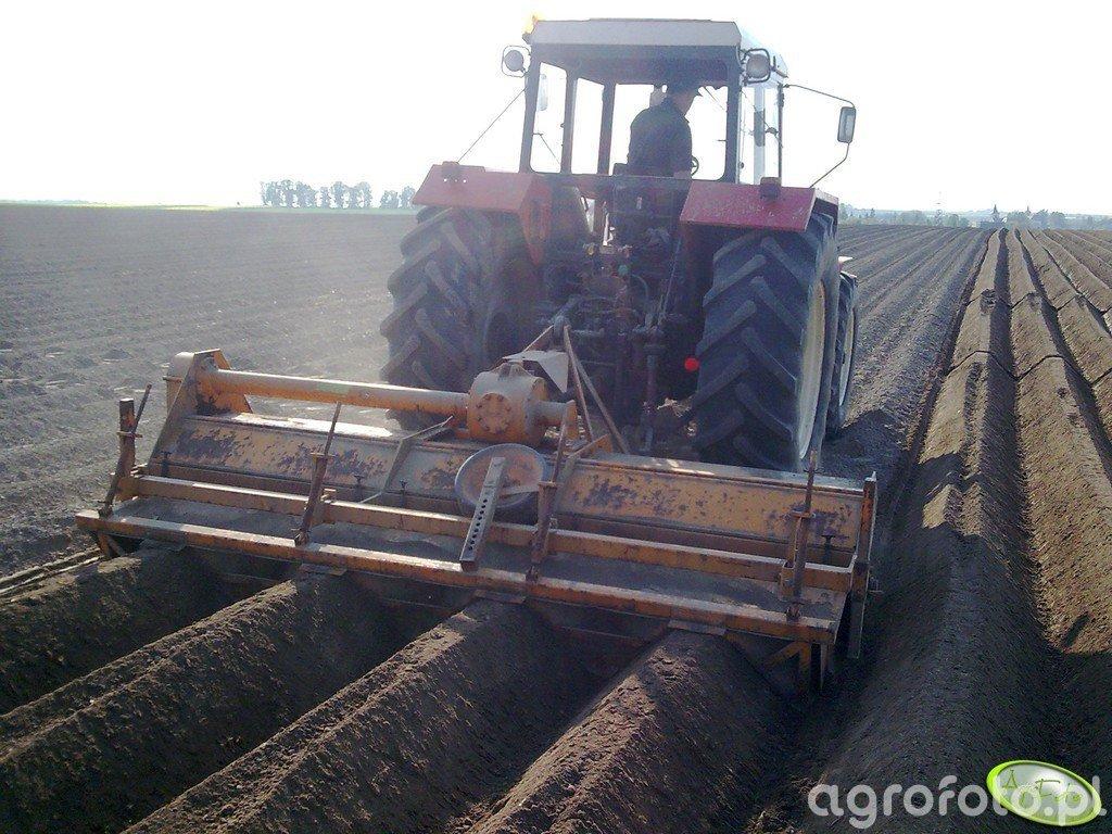 Zetor 16245 + obsypnik do ziemniaków struik
