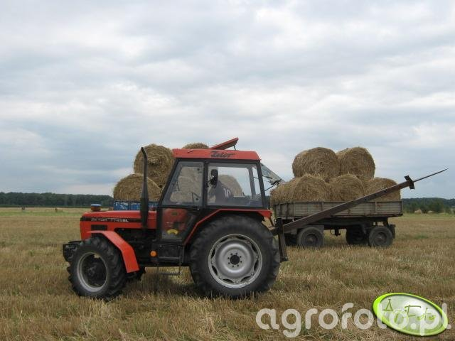 Zetor 7745 +podnosnik do bel.