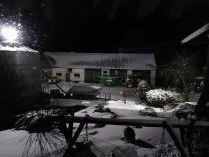 Oświetlone podwórko