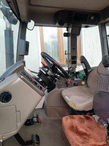 Renault Ares 616 RZ - wnętrze kabiny