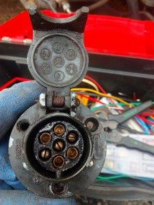 Gniazdo elektryczne 7 pin