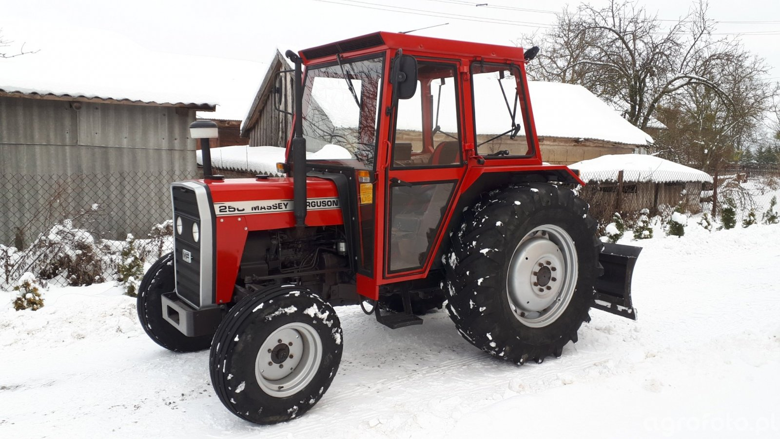 Massey Ferguson 250