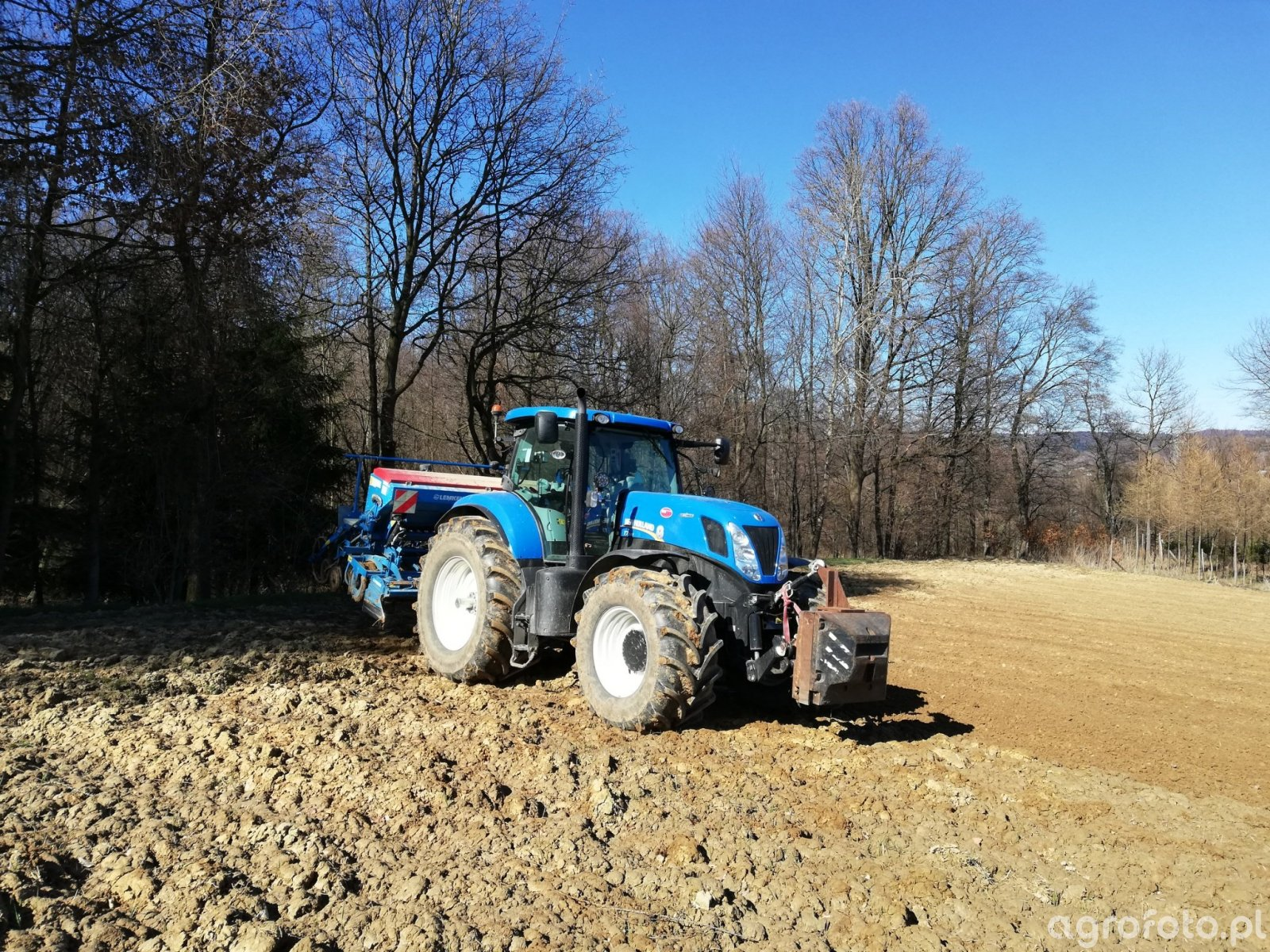 New Holland T7. 220 AC