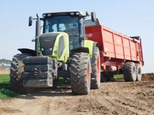 Claas Axion 810 + Brochard