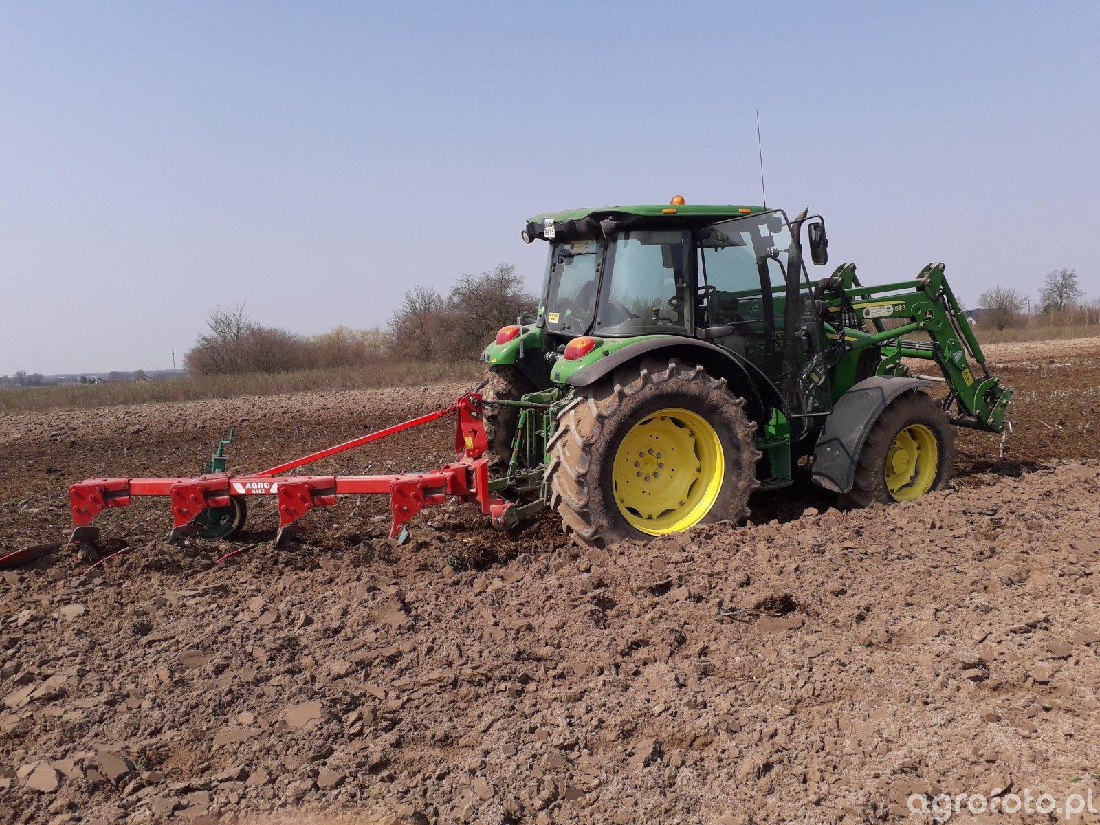 John Deere 5080R & Agro Masz PJ4+