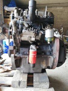 MF 255 - silnik po naprawie głównej