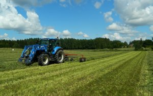 New Holland T5.105 / JF Stoll R420 DS