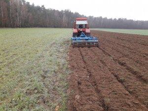 Mtz 82 + Gruber Agrolift 2.2m