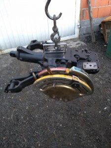 Podnośnik Massey Ferguson / Ursus po kompleksowej naprawie , regulacji  gotowy do montażu .