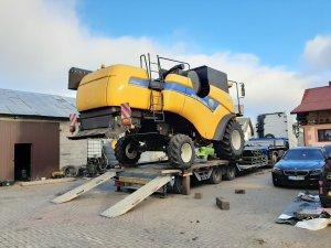 New Holland CX6080 elevation