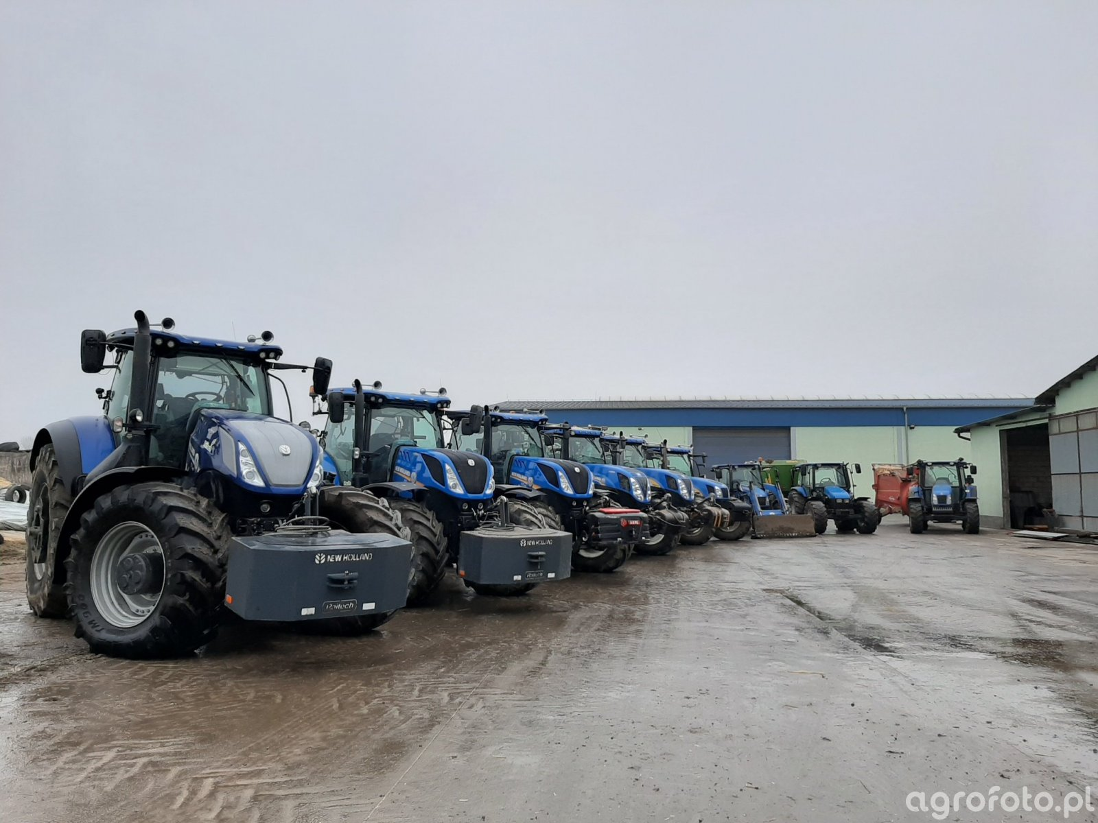 New Holland x9