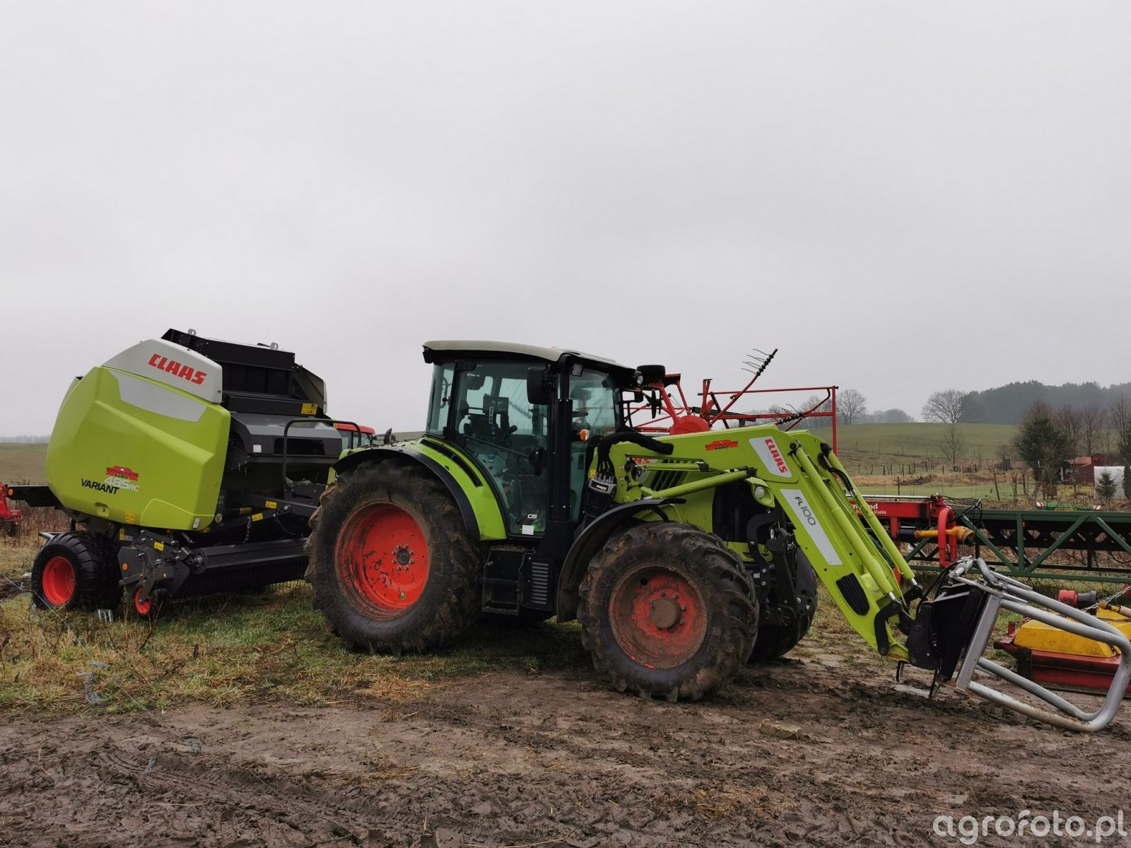 Claas Arion 450 i Claas Variant 485 RC