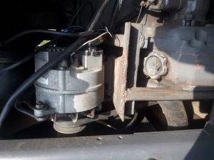 renault mocowanie alternatora