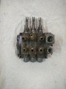 Rozdzielacz hydrauliki zewnętrznej  MF