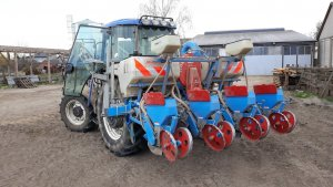Siewnik do Kukurydzy Monosem + New Holland TD5040