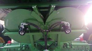 John Deere T 560/660 rozrzutnik plew